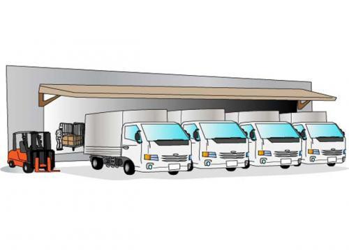 荷物も積込はトラックをターミナルへ付けてスライドさせて積込ます。