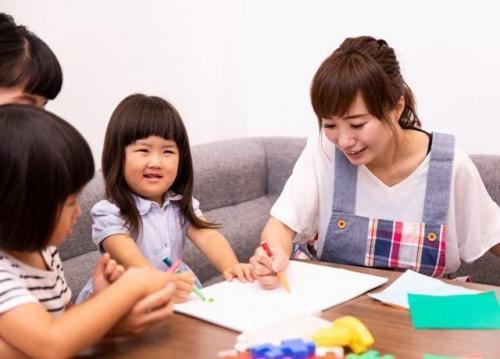 令和2年11月1日新規開設:定員10名の放課後等デイサービスにおいて、児童の発達支援をしていただきます。