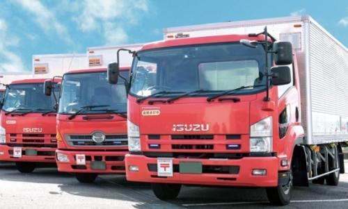 大型郵便車で郵便物の運送、一般貨物搬送業務