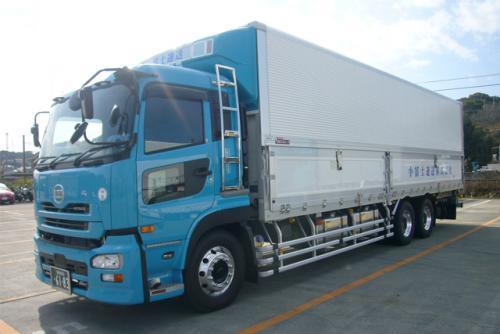 大型冷凍車での長距離運送業務、社員のお仕事 松山市安城寺町